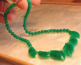 Green Glass Necklace, Pretty fun and affordable