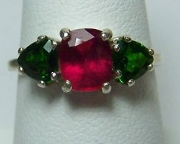 2.6ctw Genuine Ruby & Chrome Diopside Ring in .925SS~SZ 7