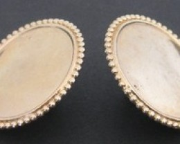VINTAGE EARRINGS ROUND GOLD TONE DISC SHAPE SCREW ON BACKS