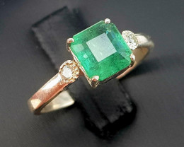 Natural Emerald with Diamonds.(TCW 1.60)