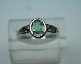 NATURAL EMERALD OVAL SHAPE 92.5 STERLING RING ( 8.00 US )