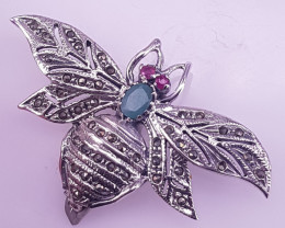 Natural Emereld With Ruby Brooche
