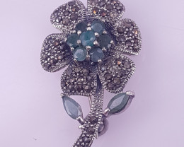Flower Style Natural Emereld Brooche