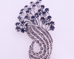 NAtural Antique Style Sapphire Brooche