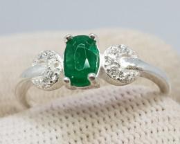 Natural Green Emerald 9.70 Carats 925 Silver Ring