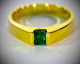 Emerald .53ct Solid 18K Yellow Gold Ring