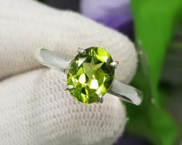 Natural Green Peridot 13.50 Carats Hand Made Silver Ring
