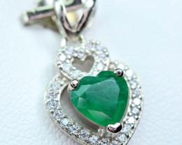Precious0.92Carat Top Green Emerald ,CZ Heart Shape 925 Silver Pendant