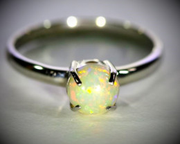 Welo Opal .90ct Platinum Finish Solid 925 Sterling Silver Ring