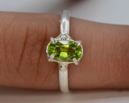 8.50  Ct Silver Ring ~ With Natural Green Peridot Stone