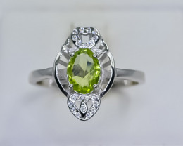 13.50 Crt Natural Peridot  925 Silver Ring