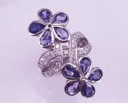 New Beautiful Style Tanzanite Ring