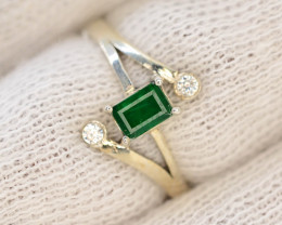 9.70  Ct Silver Ring ~With AAA Clarity Swat Emerald Stone ~Ring