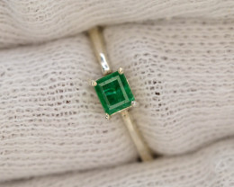 9.10 Ct Silver Ring ~With AAA Clarity Swat Emerald Stone ~Ring