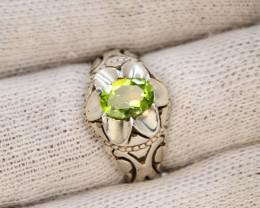 Unique Design 54.90 Ct Silver Ring ~ With Peridot Stone