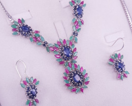 Fantastic design Natural Emerald Ruby And Sapphire Set
