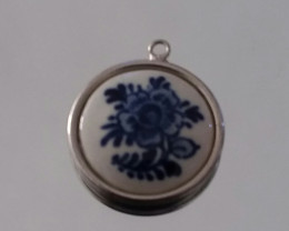 Delft by Hoffman Vintage PENDANT / Necklace LARGE SIZE ROUND SILVER