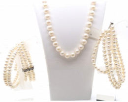 FRESH WATER PEARL BRACELET AND NECKLACE