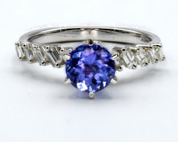Exclusive Tanzanite and Diamond in White gold Ring Size US 6