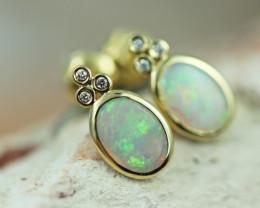 Cute Crystal  Opal set in 14k Yellow Gold Earring CK 518