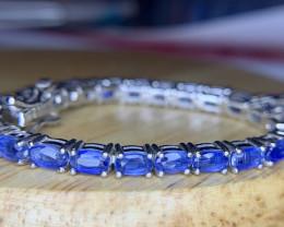 Beautiful Natural kyanite Bracelet TCW 55.