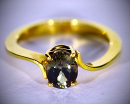 Color Change Garnet 1.72ct Solid 18K Yellow Gold Ring