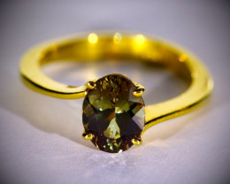 Color Change Garnet 2.11ct Solid 18K Yellow Gold Ring
