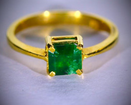 Emerald 1.44ct Solid 22K Yellow Gold Ring
