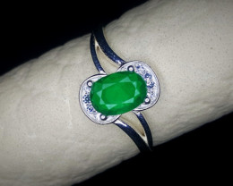 9.50 Crts Natural Emerald Ring Rhodium Coated 92.5 Silver & Cz