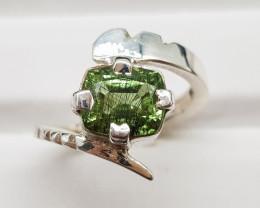 Natural Gorgeous Green Rutile Peridot 21.50 Carats 925 Silver Ring
