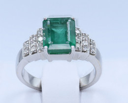 ALLURING EMERALD WITH DIMONDS RING SIZE 7