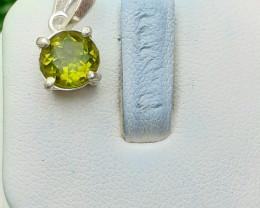 Natural Peridot 925 Silver Pendent