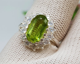 Natural Green Peridot 22.40 Carats 925 Silver Ring