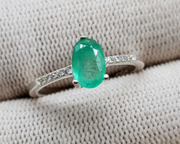 Natural Green Emerald 9.25 Carats 925 Silver Ring