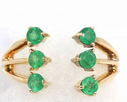 Emerald Ring 0.65tcw. - 10kt. Gold.