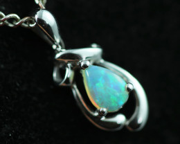 Cute Crystal Opal set in 9k White Gold Pendant CK 587