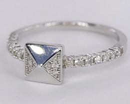 DELIGHTFUL  NATURAL DIAMONDS IN 18K WHITE GOLD RING