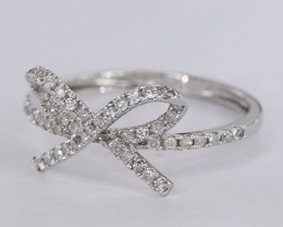 CUTE NATURAL DIAMONDS IN 18K WHITE GOLD RING