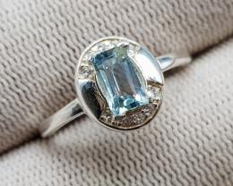 Natural Blue Aquamarine 9.60 Carats 925 Silver Ring