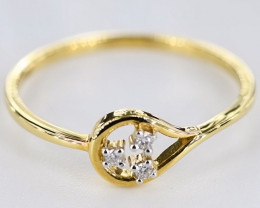 MAGNIFICENT DIAMONDS IN 18K GOLD RING SIZE 7