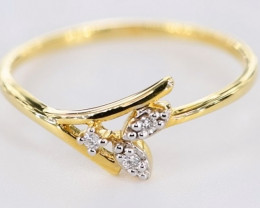 ADMIRABLE DIAMONDS IN 18K GOLD RING SIZE 7