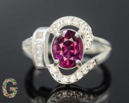 Unique Design 16.85 Ct Silver Ring ~ With Grape Garnet Stone