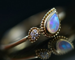 Crystal Opal set in 18k Yellow Gold Ring Size 6  CK 642