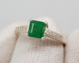 Natural Green Emerald 17.90 Carats 925 Silver Ring S10