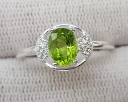 Natural Green Peridot 10.60 Carats 925 Silver Ring