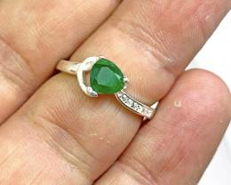 Natural 1.20 Carats Green Emerald  925 Silver Ring
