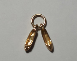 "9K Gold Charm  ""Slippers""     Code 1910018"