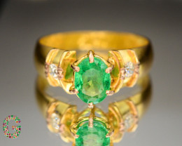 Presenting Marvelous 18 K  Gold Ring With Natural Zambian Emerald & Diamond