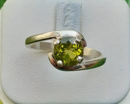 Natural Peredot 925 Silver Ring