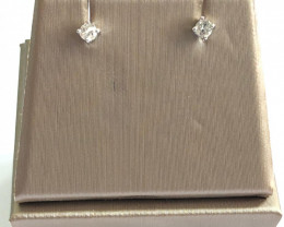 Stylish Natural Diamond 0.16 Cts Silver Earring